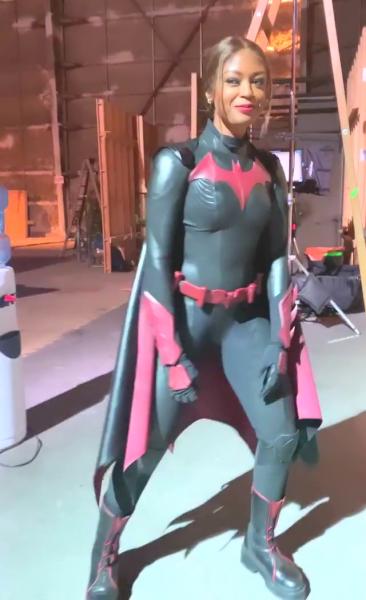 https://maskripper.org/wp-content/uploads/2020/10/Batwoman_set_insta.mp4-00002-366x600.png